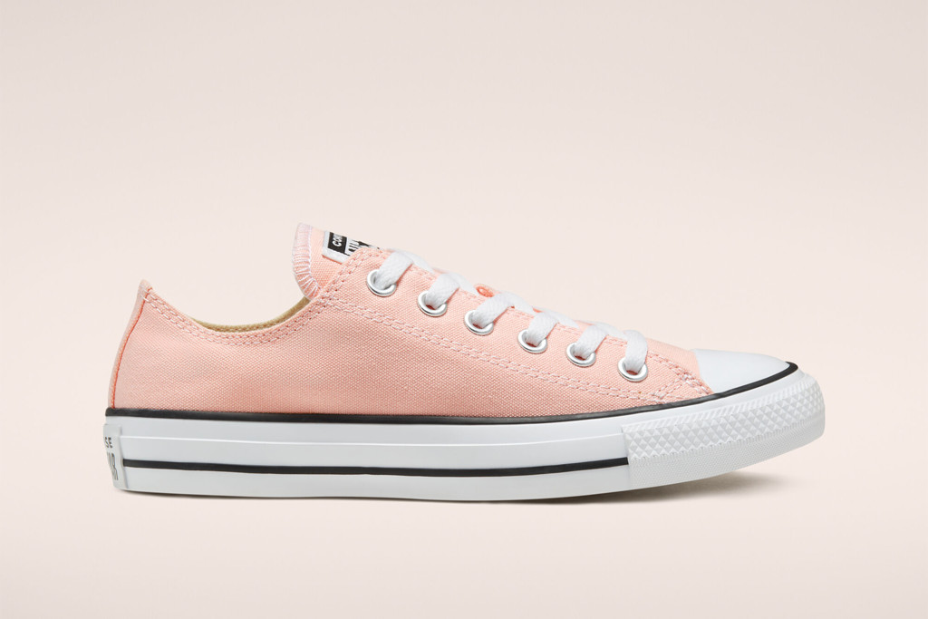 Seasonal Color Chuck Taylor All Star in Apricot Agate, low top sneaker, peach