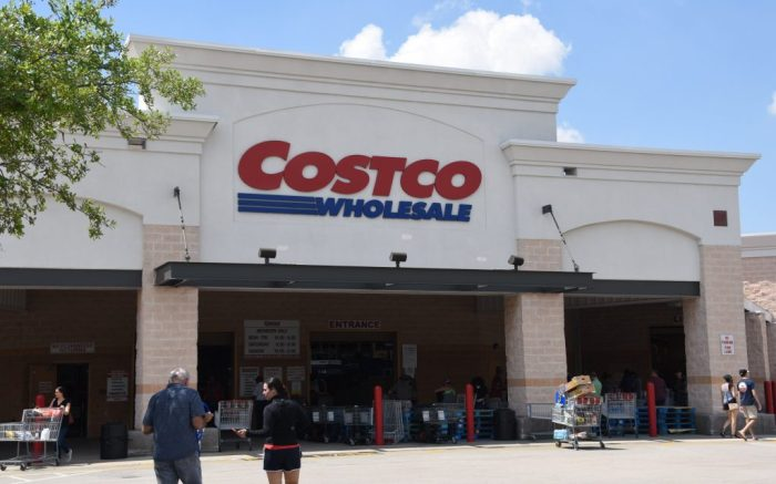 Atmosphere at Costco. Part of Broward County in Pembroke PinesCoronavirus outbreak, Florida, USA - 26 Mar 2020