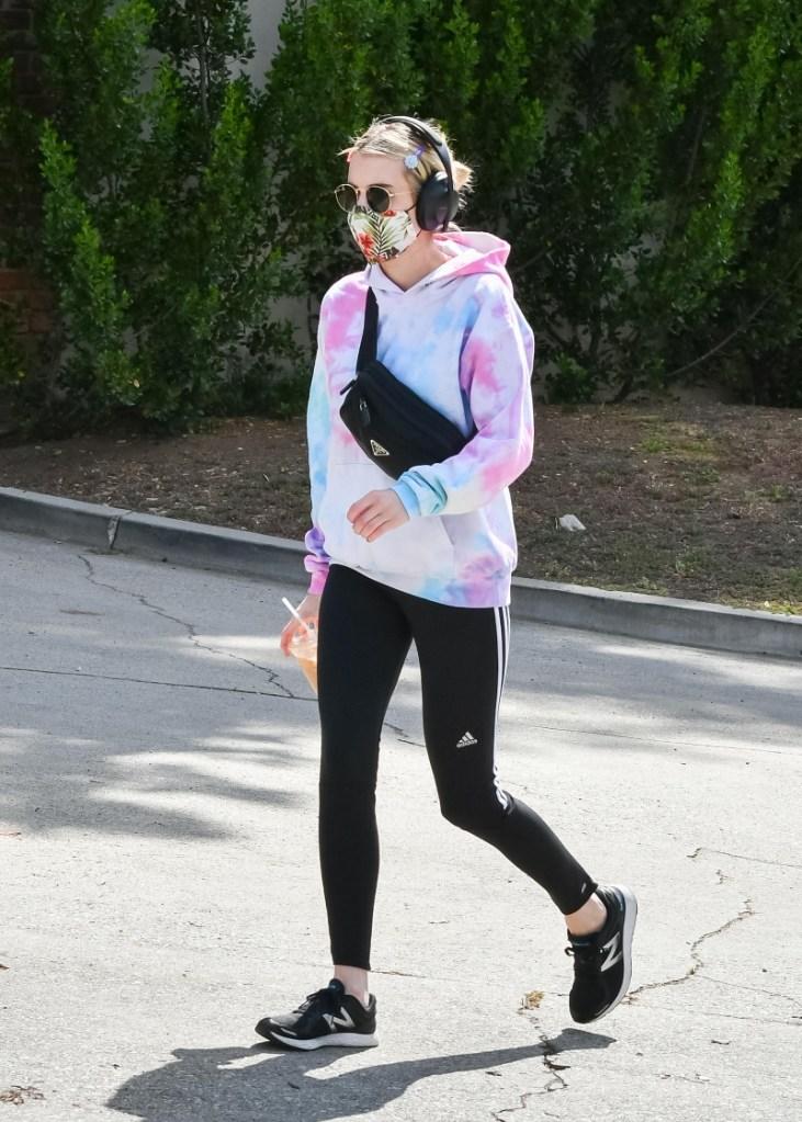emma roberts, style, tie-dye, sweatshirt, walk, leggings, adidas, new balance