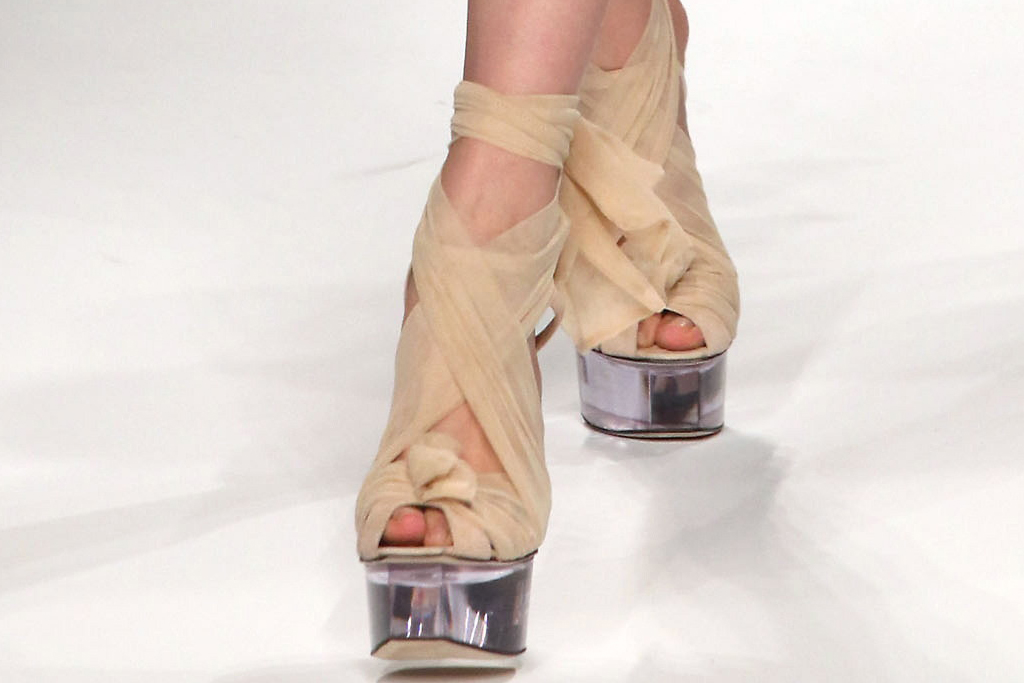 milan, fendi, mfw, heels clear, wrap