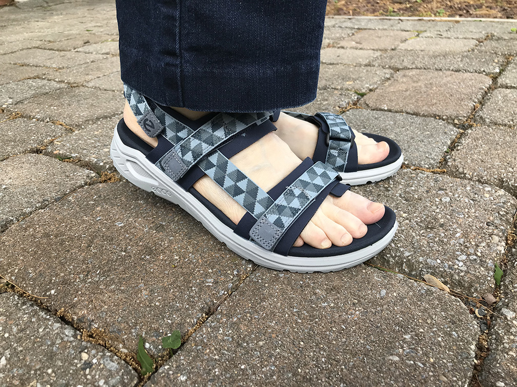 Ecco's X Trinisic denim-friendly sport sandal, summer shoes, what editors are wearing
