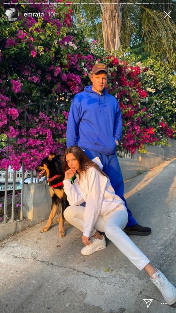 emily ratajkowski, sebastian, husband, colombo, dog, white, sweatshirt, sneakers