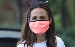 jennifer garner, style, pink mask, walk,