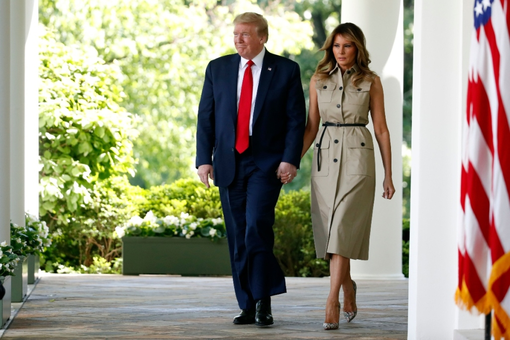 melania trump, louboutin, christian loubuoutin, so kate, pumps, snakeskin