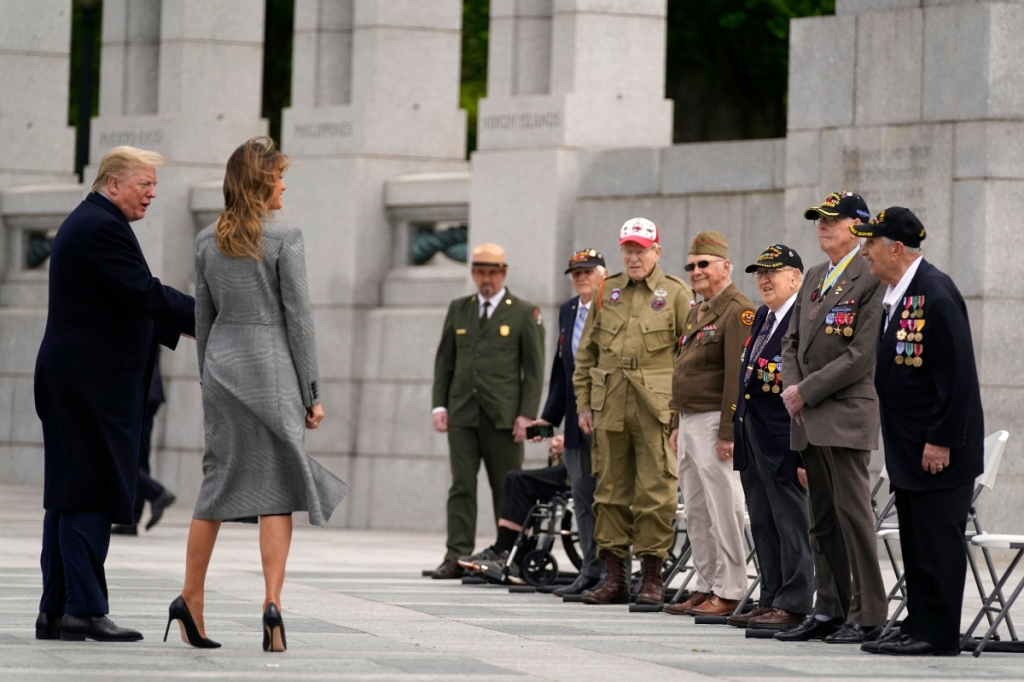 melania trump, donald trump, victory in europe day, style, gray, black, dc, national mall, pumps, coat