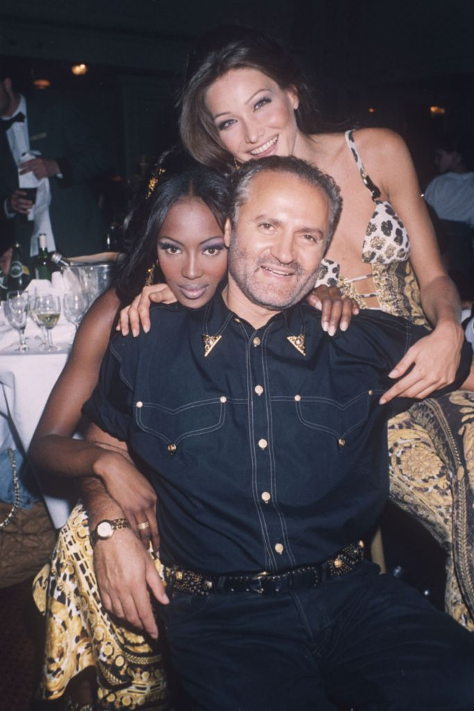 naomi campbell, gianni versace, carla bruni, naomi campbell versace, naomi campbell old photos, naomi campbell 50th birthday