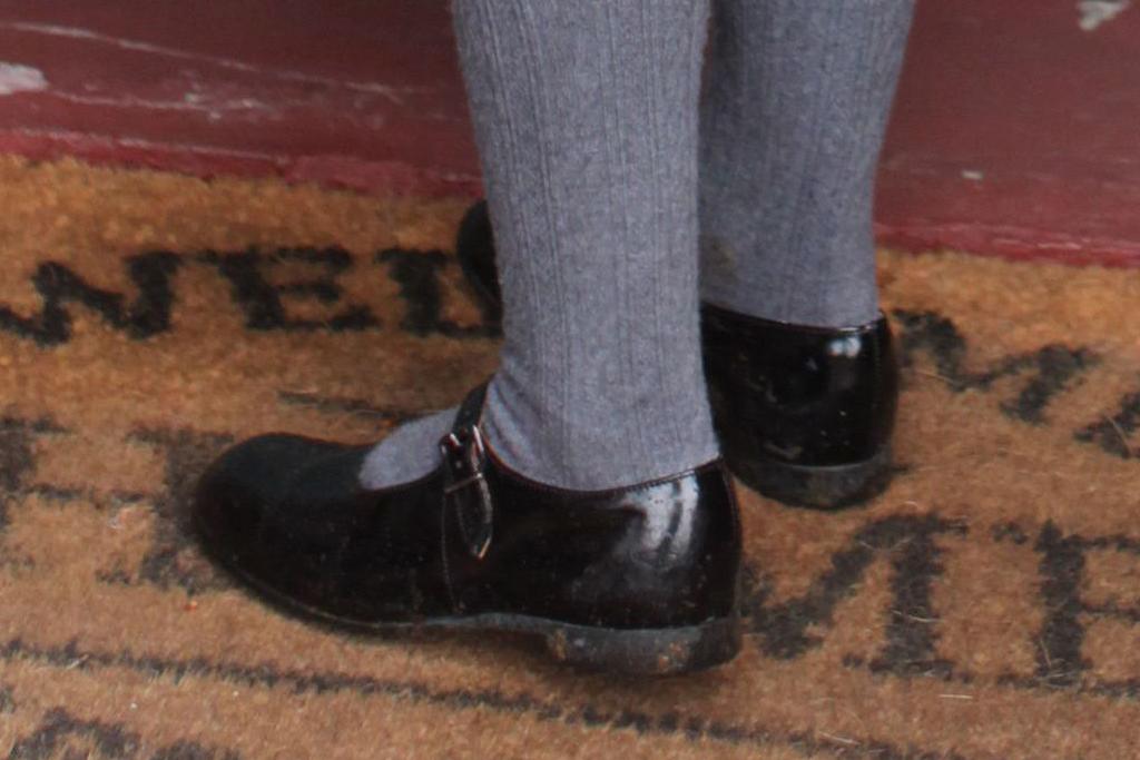 princess charlotte, duchess of cambridge, kensignton, birthday, dress, shoes