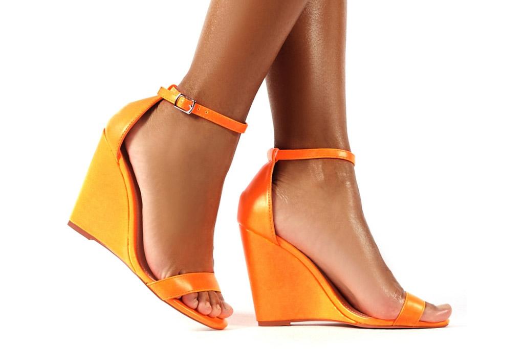 public desire, orange wedges