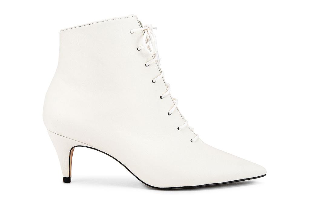 raye, white boots
