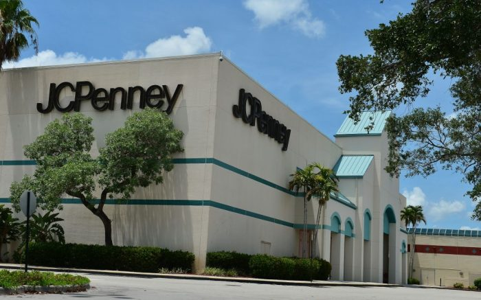JC Penney store that was temporarily closed due to the COVID-19 pandemic Now the company filed for bankruptcy protection and announced it would be closing some of its 800 stores amid the coronavirus crisis and ongoing debt problems. 18 Apr 2020JC Penney store was temporarily closed due COVID-19 pandemic Now filed for bankruptcy protection Florida, USA - 18 May 2020