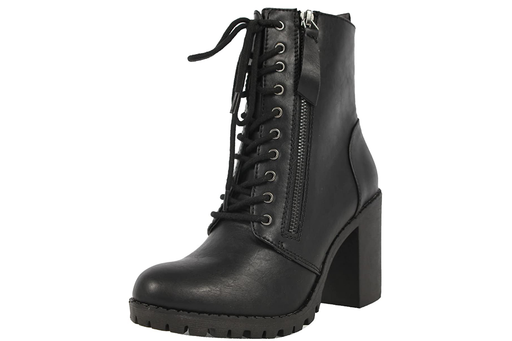 Soda, combat boots