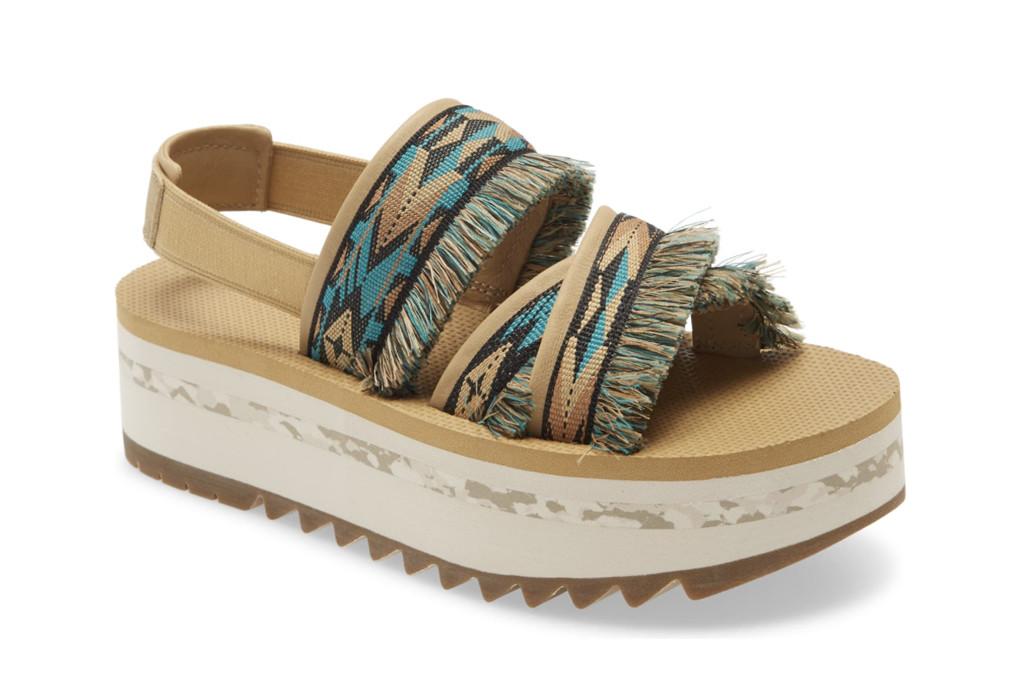 Teva Ceres Flatform Sandal, ugly sandals, how to style ugly sandals