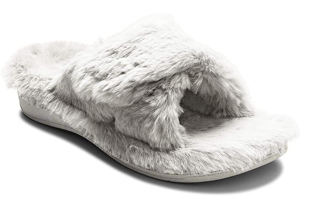 vionic, fuzzy sandals, slides
