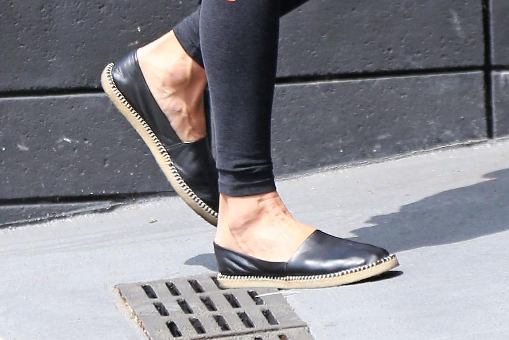 Alessandra Ambrosio, street style, espadrilles, fashion, shoe detail
