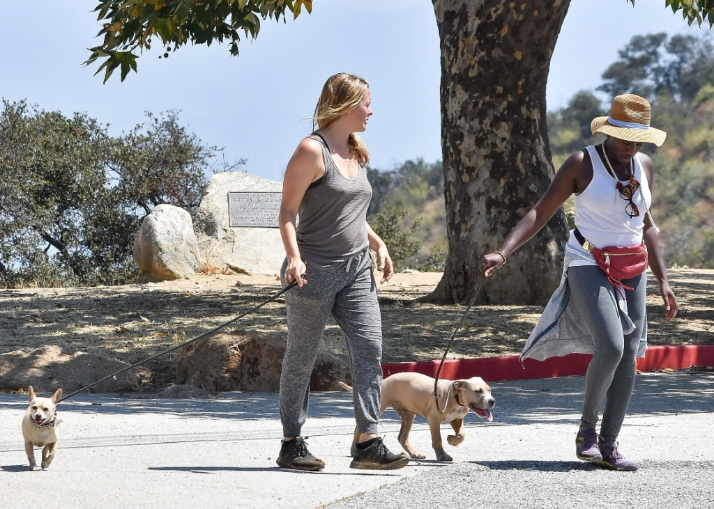 alicia silverstone, style, sweatpants, joggers, tank, hike, walk, sneakers, dog, adidas
