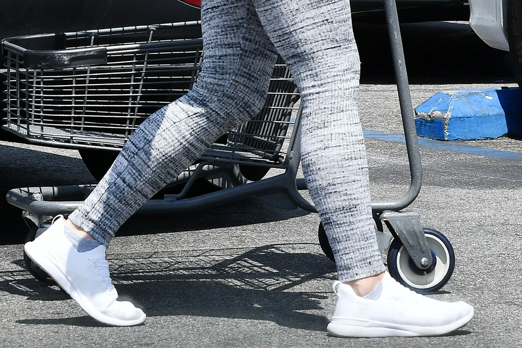 ariel winter, style, leggings, sneakers, grocery store, mask, white sneakers