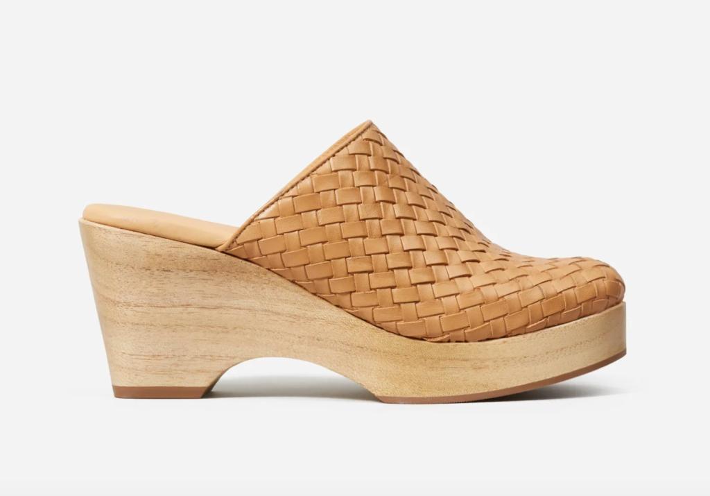 best everlane shoes, everlane clogs, platform clogs
