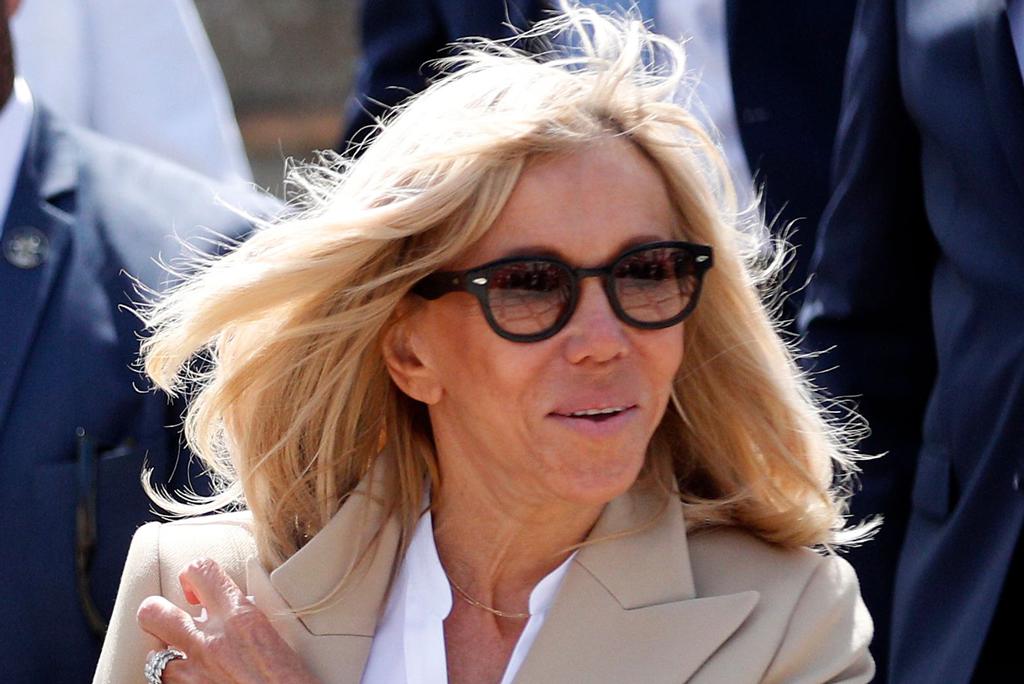 Brigitte Macron Votes In Skinny Jeans Louis Vuitton Eyeline Heels Www Medinatheatre News