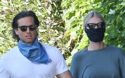 Brad Falchuk, Gwyneth Paltrow, walk, sweatpants,