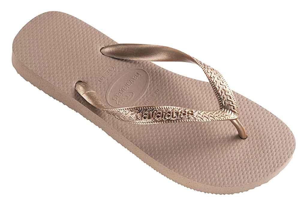 havaianas, gold flip-flops