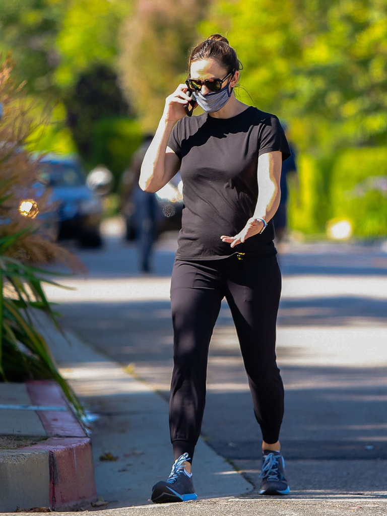 Jennifer Garner, black t-shirt, fitted joggers, celebrity style, fashion, brooks sneakers, running shoes, face mask, wearing a face maskJennifer Garner out and about, Los Angeles, California, USA - 03 Jun 2020Jennifer Garner wearing a face maskJennifer Garner out and about, Los Angeles, California, USA - 03 Jun 2020