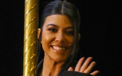 kourtney kardashian, style, dress, shoes, celebrity