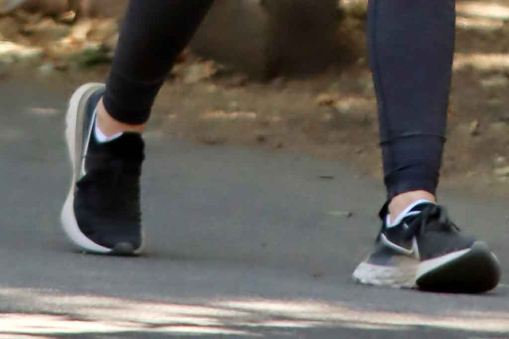 Lucy Hale, Nike Renew Run sneakers, street style, shoe detail, los angeles, celebrity style, lucy hale