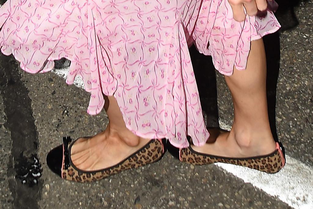 Paris Hilton, leopard ballet flats, celebrity style, shoe detail