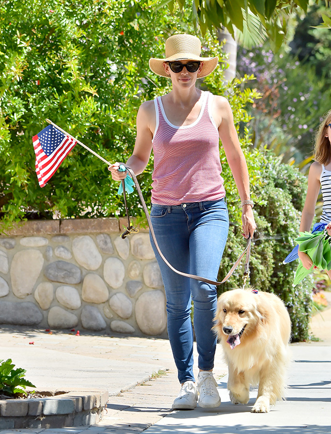 Ben Affleck and Jennifer Garner take their kids out to walk their dog on the 4th of July in Santa Monica, California. The happy exes were seen walking their older Golden Retriever through the streets with their kids on the warm day. Jen carried an American flag, showing her spirit on the holiday.Pictured: Jennifer Garner,Ben Affleck,Violet Affleck,Seraphina Affleck,Samuel Affleck,Jennifer Garner Ben Affleck Violet Affleck Seraphina Affleck Samuel Affleck Ref: SPL1532964 050717 NON-EXCLUSIVE Picture by: SplashNews.com Splash News and Pictures USA: +1 310-525-5808 London: +44 (0)20 8126 1009 Berlin: +49 175 3764 166 photodesk@splashnews.com World Rights