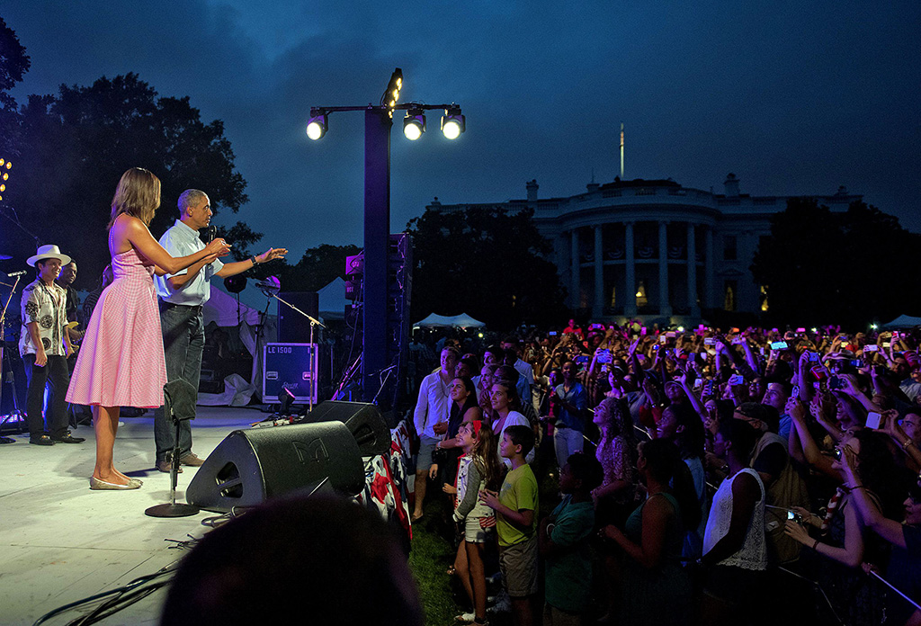 Barack Obama, Michelle Obama, michael kors dress,Barack Obama and Michelle Obama4th of July Celebrations, Washington D.C., America - 04 Jul 2015United States President Barack Obama, accompanied by first lady Michelle Obama, arrives to make remarks to members of the military and White House staff who were invited to the South Lawn of the White House in Washington, D.C.. The guests were treated to a Bruno Mars concert and the traditional fireworks on the National Mall. An earlier Bar-B-Que had been planned but was cancelled due to inclement weather.
