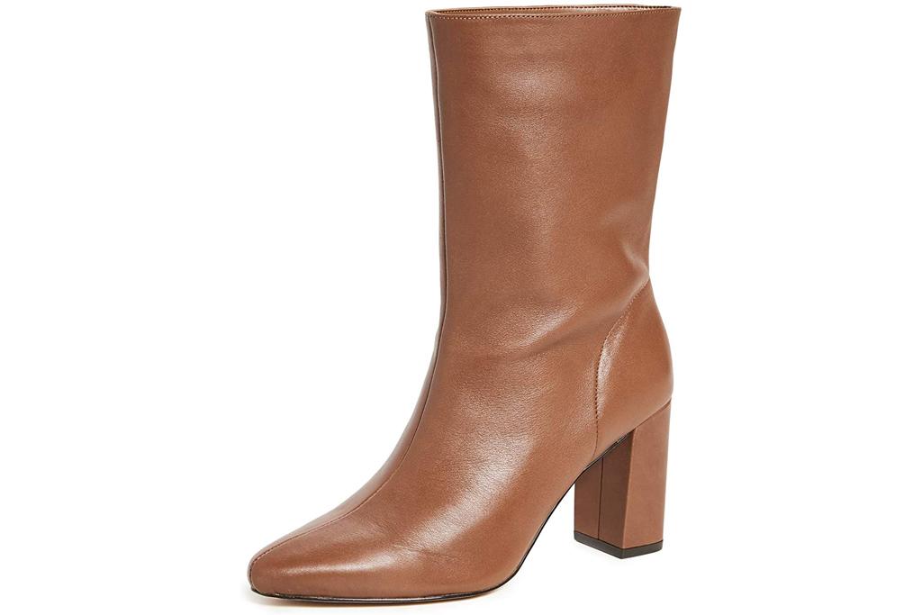 Villa Rouge, brown boots