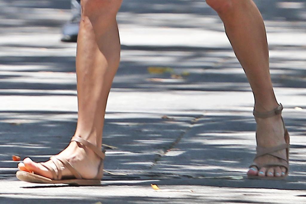 alessandra ambrosio, walk, sandals, shorts, jean shorts, tank top, striped shirt