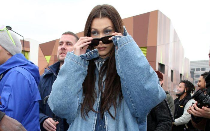 bella hadid, bella hadid street style, street style, mom jeans