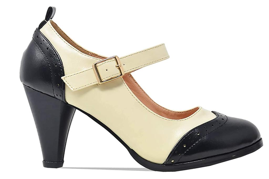 chase, chloe, black white, heels