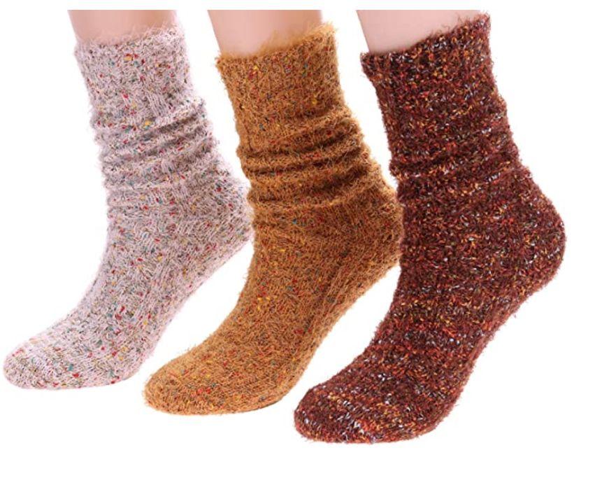 chunky knit wool socks, wool socks, fall 2020 fashion trends, trends, fashion, socks