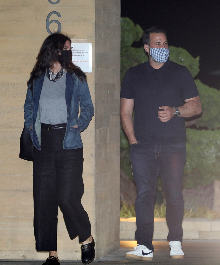Courteney Cox , clogs, high-waisted pants, denim jacket, face mask, celebrity style, street style, dines at Nobu Malibu with friends in Malibu. 30 Jul 2020 Pictured: Courteney Cox. Photo credit: Photographer Group/MEGA TheMegaAgency.com +1 888 505 6342 (Mega Agency TagID: MEGA691682_001.jpg) [Photo via Mega Agency]Actress Courteney Cox dines at Nobu Malibu with friends in Malibu. 30 Jul 2020 Pictured: Courteney Cox. Photo credit: Photographer Group/MEGA TheMegaAgency.com +1 888 505 6342 (Mega Agency TagID: MEGA691682_002.jpg) [Photo via Mega Agency]