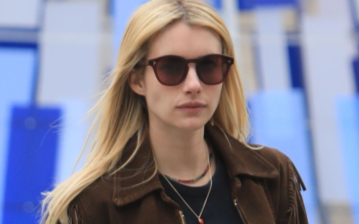 Emma Roberts Teases Versace Look That She Can T Talk About Eurostars Eureka News