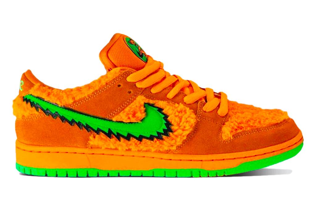 Nike x Grateful Dead SB Dunk Sneaker
