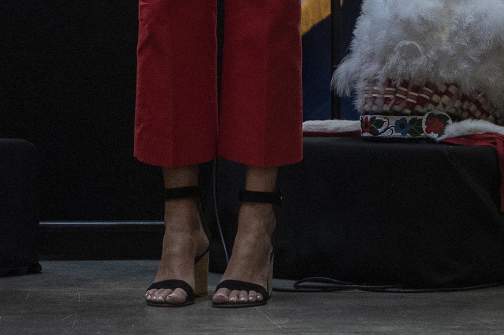 Ivanka Trump, wedge sandals, toes, pedicure, feet, celebrity style