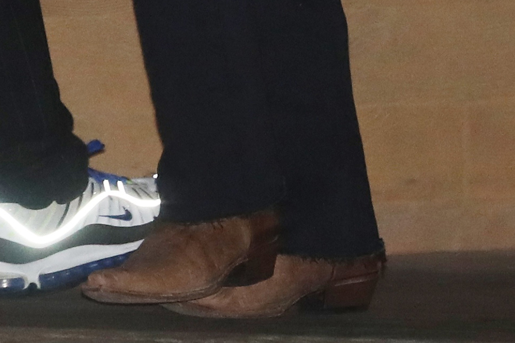 Kendall Jenner, western boots, street style, fashion, celebrity, nobu, malibu, california