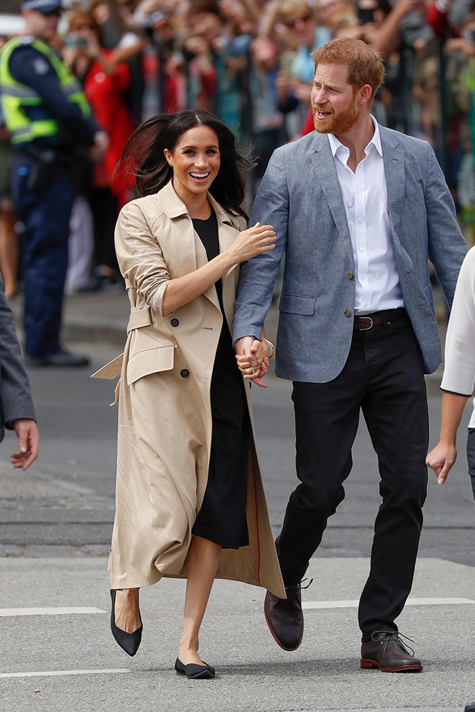meghan markle and prince harry, meghan markle rothys, rothys flats