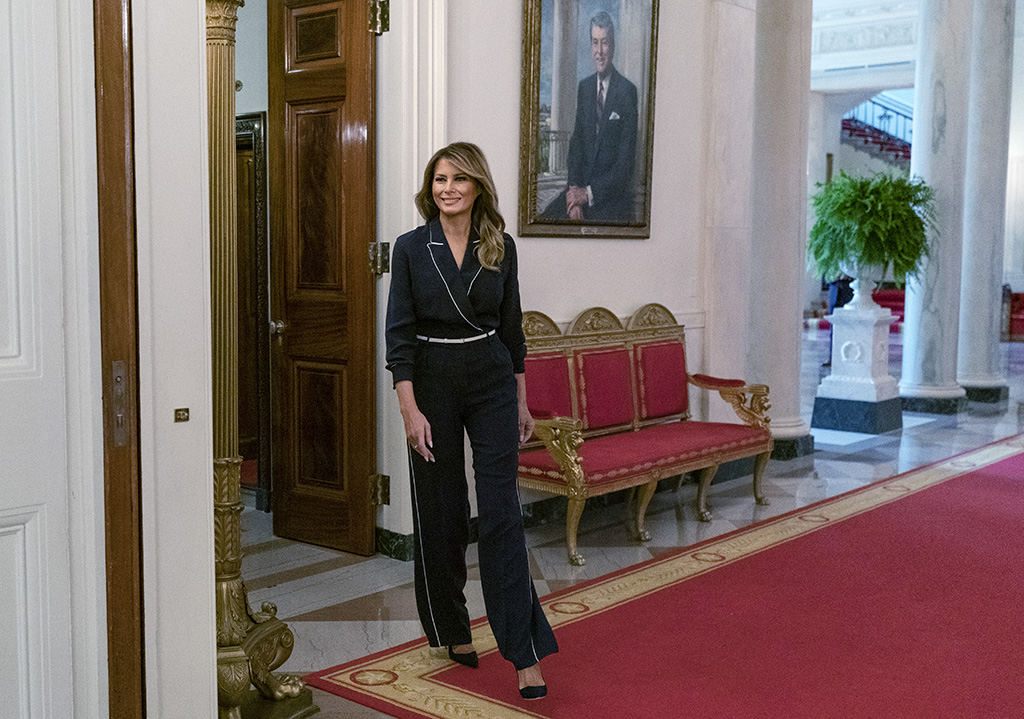 "Melania Trump , loro piana jumpsuit, manolo blahnik pumps, white house, meeting, july 2020, First lady Melania Trump arrives for an Indian Health Service (IHS) Task Force briefing on ""Protecting Native American Children in the Indian Health System"" at the White House in Washington, Thursday, July 23, 2020. (AP Photo/Carolyn Kaster)"