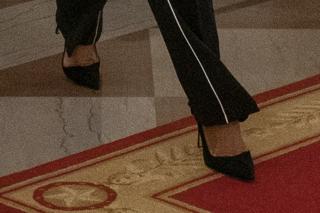 Melania Trump, manolo blahnik bb pumps, white house, celebrity style, shoe detail, feet