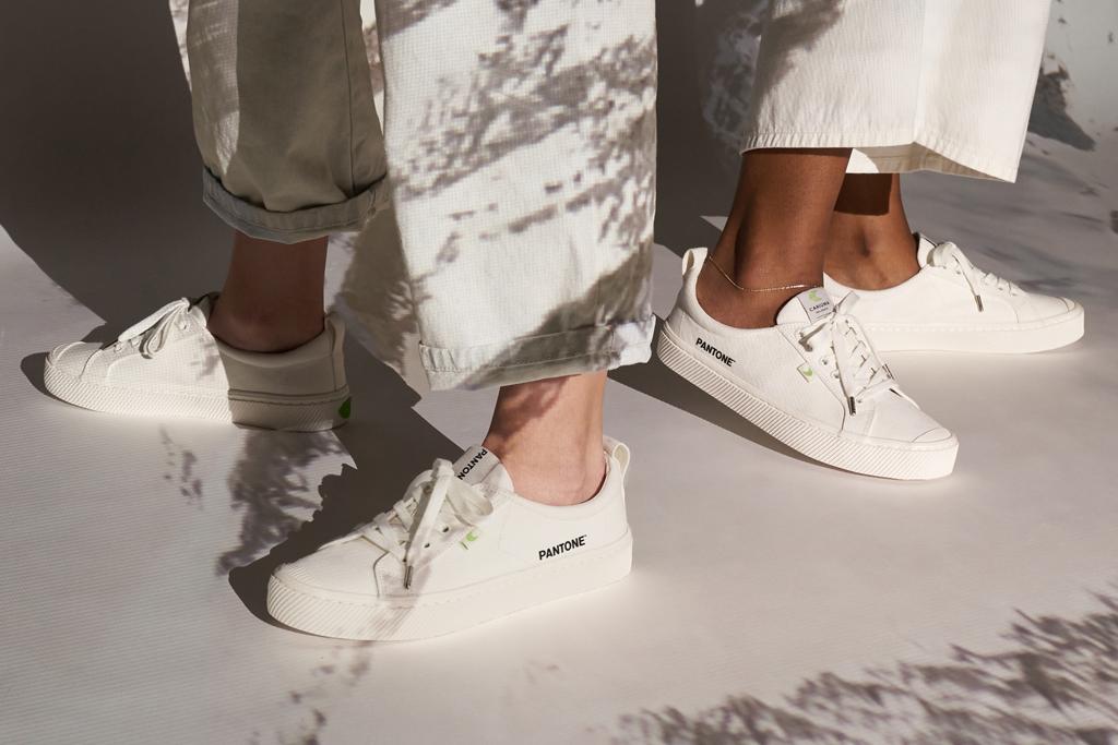 pantone, cariuma, sneakers