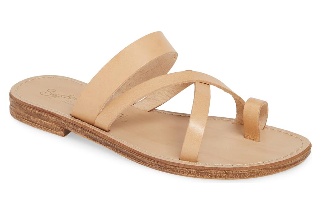 Seychelles, beige sandals