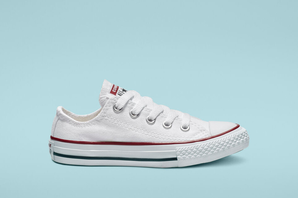 converse, white converse, shoes to style with the nap dress trend