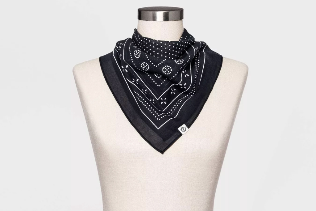 target face covering, target scarf, universal thread scarf