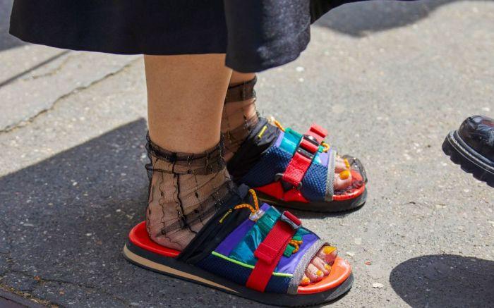 ugly sandal, sport sandal, street style, top shoe trends summer 2020, ugly sandal summer 2020, teva, birkenstock