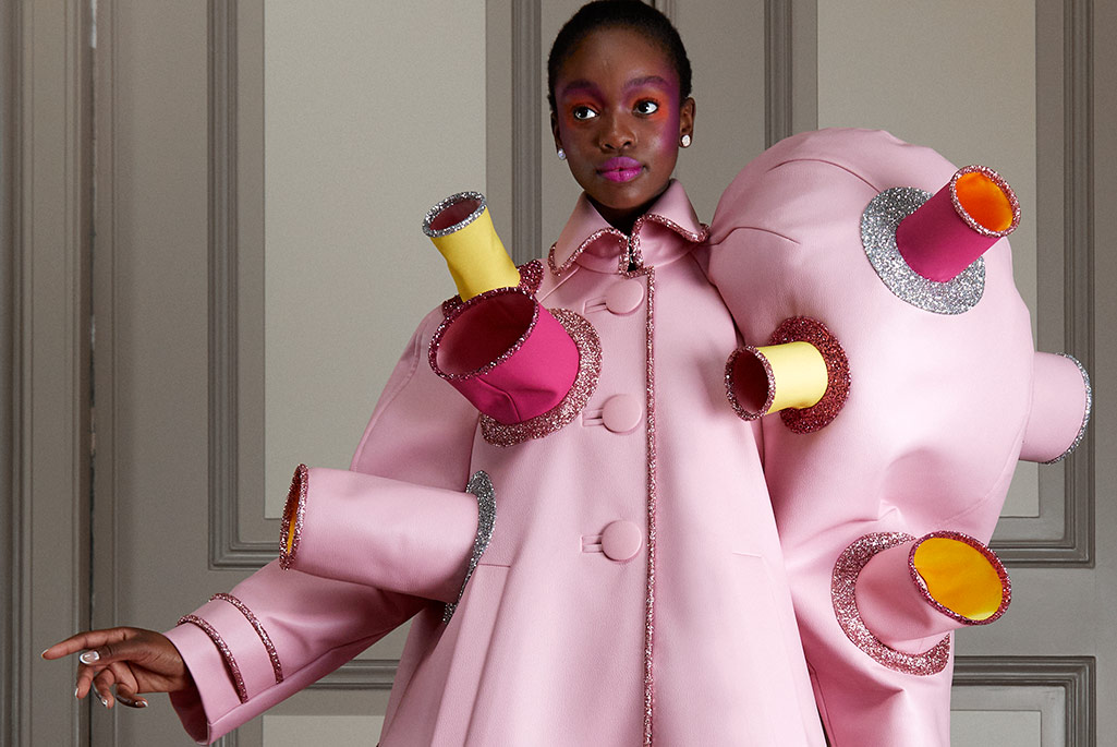 Viktor & Rolf's Couture Film Spoof, Roger Vivier's Cuissarde Capsule, Vauthier & All the Highlights of Paris Haute Couture Week Online