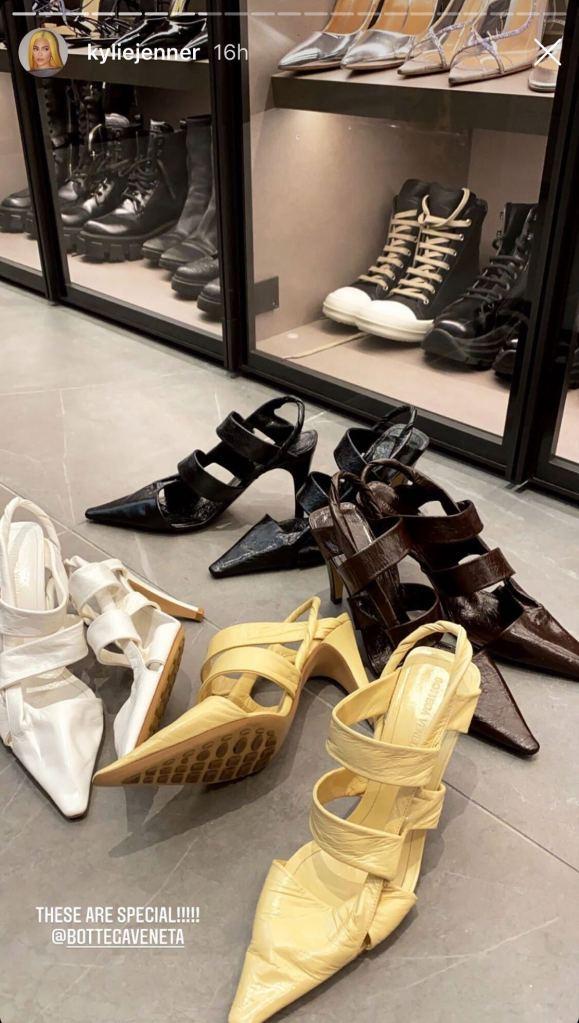 kylie jenner, bottega veneta, bv point, heels, twist